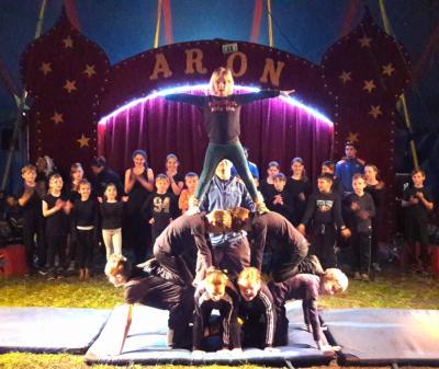 Vorschaubild zur Meldung: Allez hopp! Grundschule Annahütte macht Zirkus