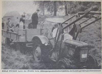 Foto zur Meldung: Vor 50 Jahren: Geschickt mit dem Traktor unterwegs