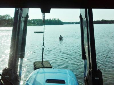 Foto zur Meldung: Kernige Männer im See – Erneuerung der Nichtschwimmergrenze