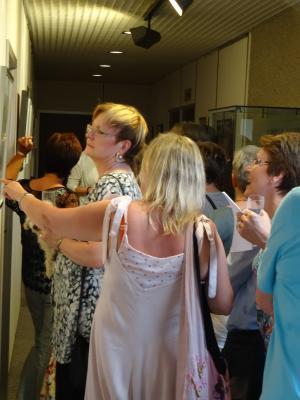 """Vorschaubild zur Meldung: Eröffnung der Ausstellung """"Sketching"""" im Rathaus"""