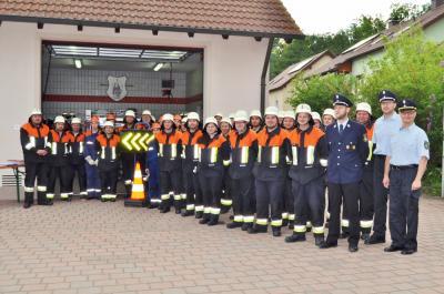 Foto zu Meldung: Feuerwehr zur Besichtigung angetreten