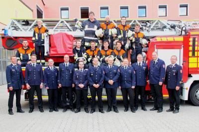 Vorschaubild zur Meldung: Erfolgreicher Grundlehrgang – zehn neue Einsatzkräfte für die FFW Rosenheim