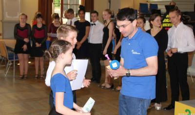 KKJS Tanzsport - Siegerehrung durch Ringolf Herzog (Vizepräsident OKSB)