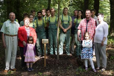 Vorschaubild zur Meldung: Stifterbaum am 16. Juni feierlich eingeweiht