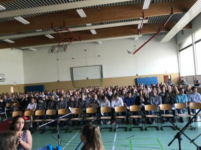Vorschaubild zur Meldung: Feierliche Verabschiedung der zehnten Klassen an der OBS Jade