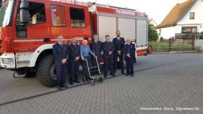 Vorschaubild zur Meldung: Ehrung für Feuerwehrkamerad