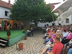 Vorschaubild zur Meldung: Premiere fürs Ummendorfer Luther-Lustspiel