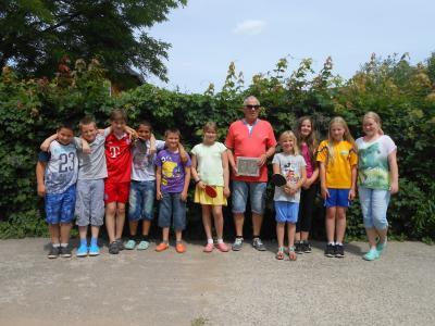 Foto zur Meldung: Elbtalgrundschüler nahmen erfolgreich an der 24. Kreis-, Kinder- und Jugendspartakiade im Tischtennis teil