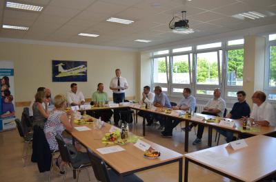 Vorschaubild zur Meldung: Oberstufenzentrum Schönefeld begrüßt französische Lehrlinge