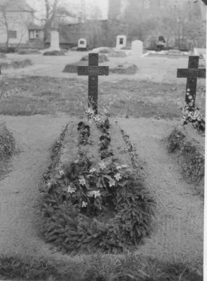 Die Kriegsgräber 1946 auf dem Friedhof Rogätz