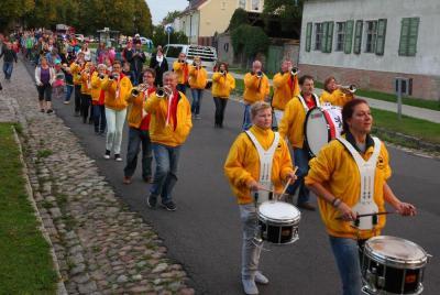 Umzug zum Dorffest in Hönow