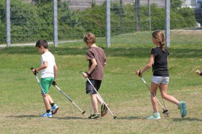 Foto zur Meldung: Nordic Walking und Rückenschule