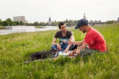 Foto zu Meldung: Das Projekt 'Die Bildungspatenschaften' des Ausländerrat Dresden e.V. sucht freiwillige Pat_innen