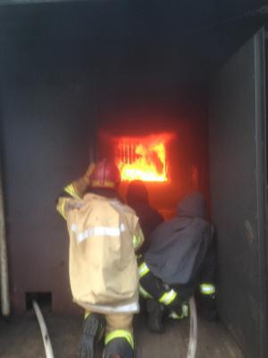 Foto zu Meldung: Jährliche Weiterbildung der Atemschutzträger im Brandübungscontainer in Harrislee