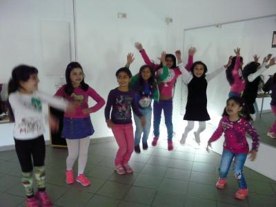 Vorschaubild zur Meldung: Mit Tanzen die Flucht verarbeiten