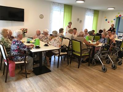Vorschaubild zur Meldung: Besuch der Senioren im Jakob-Giesser-Haus.