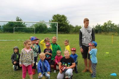 Foto zur Meldung: Schnupper-Fußball bei den Kleinsten