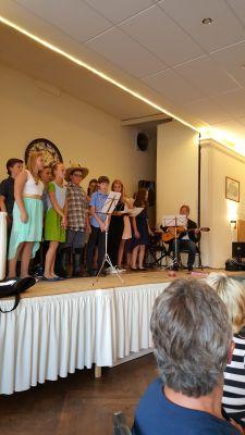 Foto zur Meldung: Feierlicher Schulabschluss der Klasse 6