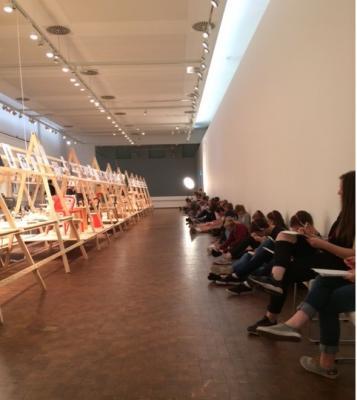 Vorschaubild zur Meldung: Besuch im Bauhaus-Archiv