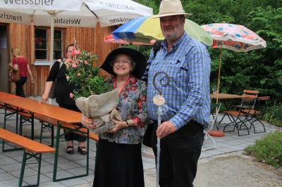 Foto zu Meldung: Rosenkongress in Bad Wörishofen: ,Rosa Wizoka' steht jetzt im Rosengarten Gennach