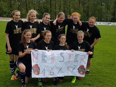 Foto zu Meldung: Riesen Jubel über Meisterschaft in Tröstau
