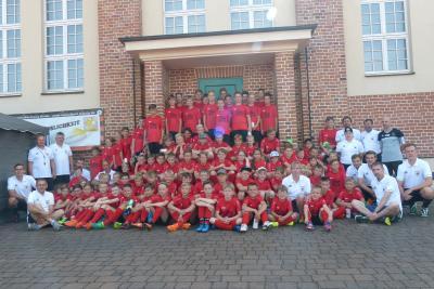 Foto zur Meldung: 10. Fußballcamp des ESV - 1. Tag