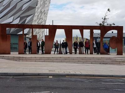 Foto zur Meldung: Sommerferien mal anders – Deutsch-Nordirische Jugendbegegnung in Belfast