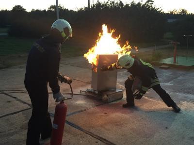 Vorschaubild zur Meldung: Ausbildung Feuerlöscher in der PCK Raffinerie Gmbhj