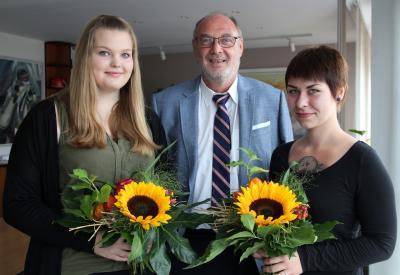 v.l.n.r. Maria Kaminiski, Bürgermeister Hans-Ulrich Hengst, Marlene Schiewerhha