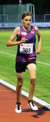Vorschaubild zur Meldung: 10.000-Meter-Bestzeit für Justus Kaufmann