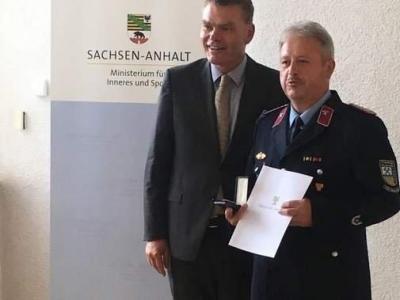 Vorschaubild zur Meldung: Ehrenzeichen für zwei Feuerwehrmänner