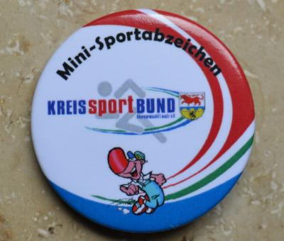 Foto zur Meldung: Abnahme Minisportabzeichen des KSB OSL e.V. in Lübbenau