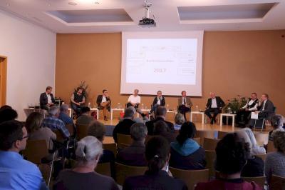 Vorschaubild zur Meldung: Bürgermeisterstammtisch zur Bundestagswahl
