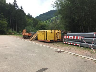 Das Bergbaumaterial nach dem Abladen
