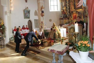 Foto zur Meldung: Erntedank in Krailing und Gabenzug in Moosbach