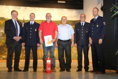 Foto zur Meldung: Wilfried Dillmann aus Ellern erhält Silberne Ehrennadel