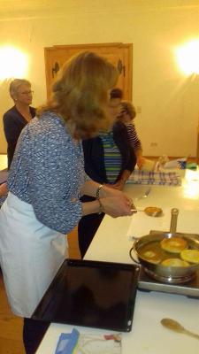 Foto zur Meldung: Kochabend beim Kath. Frauenbund
