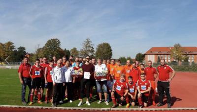 Foto zur Meldung: Fußball: +++Heimsiege für Männerteams+++