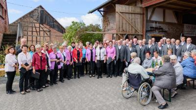 Foto zur Meldung: Erntedankgottesdienst und Kartoffelfest im Generationenhof