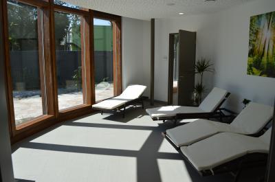 Wirkt bereits beim Anblick entspannend: Der Ruhebereich in der Sauna des Stadtbades Nauen.