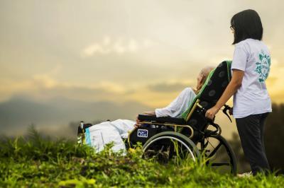 Vorschaubild zur Meldung: Hilfe, ich werde alt