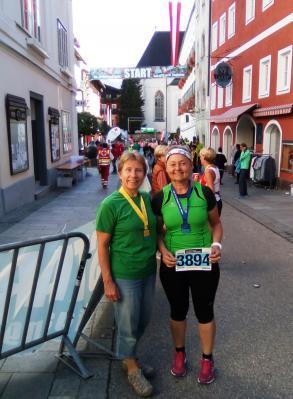 Foto zur Meldung: Läufer des TV Wallersdorf beim Saisonhöhepunkt am Wolfgangsee