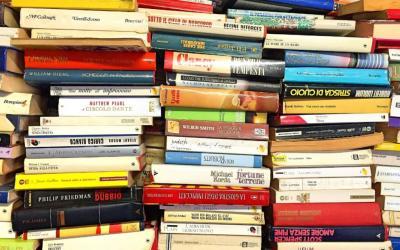 Vorschaubild zur Meldung: Bücherflohmarkt