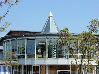 Vorschaubild zur Meldung: Öffnungszeiten Bibliothek Landsberg Weihnachten