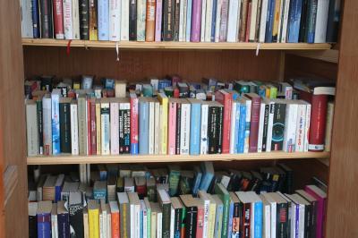 Foto zur Meldung: Du, die Hütte ist voll! - Es werden mehr Bücher geliefert als entnommen