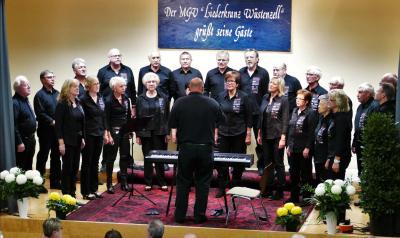 Foto zur Meldung: Gemeinsamer Chor beim Liederkranz Wüstenzell