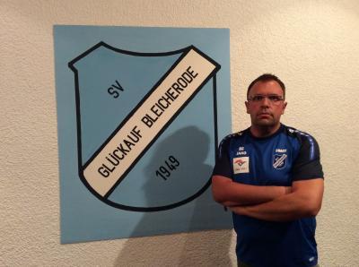 Foto zur Meldung: Steven Geller als neuer Trainer der I. Mannschaft vorgestellt