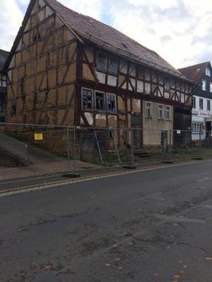 Vorschaubild zur Meldung: Haus Luckhardt / Neuer Abrisstermin / Gesperrter Geweg
