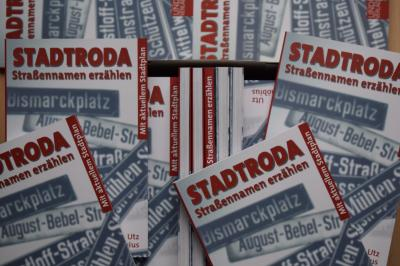 """Vorschaubild zur Meldung: Buchlesung """"Straßennamen erzählen""""  in der Gaststätte """"Faustus"""" Stadtroda"""