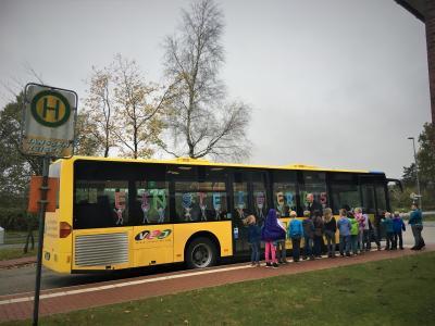 Foto zur Meldung: Einsteigerbus für den SKG und die Klassen 1 und 2